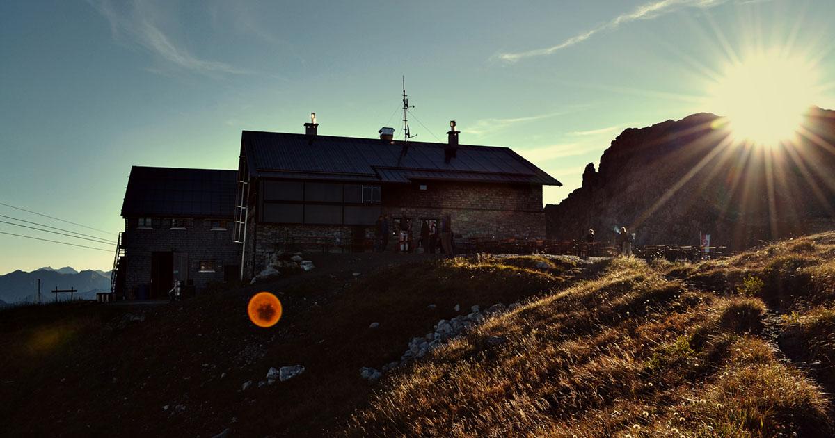 Die Fidererpasshütte in den Alpen wird mit Ökostrom betrieben