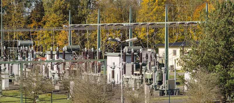 Transformatoren beim Fließwasserkraftwerk vom Verbund am Inn