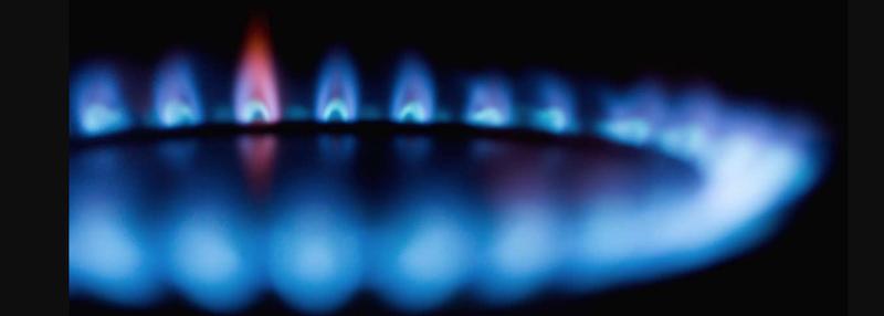 Gasflamme vom Gasherd: hier fällt nur ein geringer Gasverbrauch an