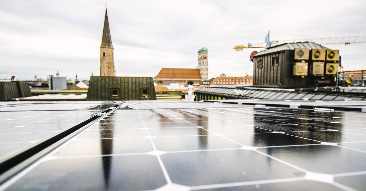 Quartierstrom: PV-Anlagen auf dem Dach.